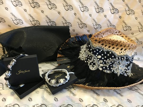 Handmade bracelets, hat and bag 1