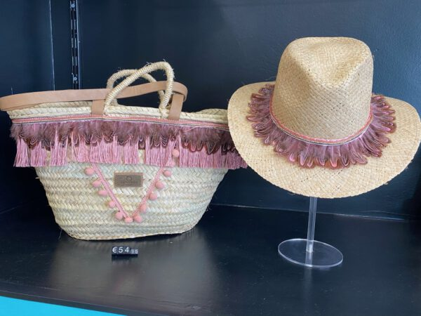 Handmade basket with hat ´Plume´ 1